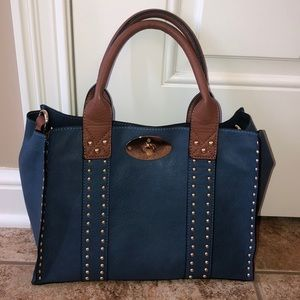 Black Rivet beautiful leather purse